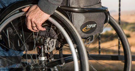 wheelchair 749985_1280